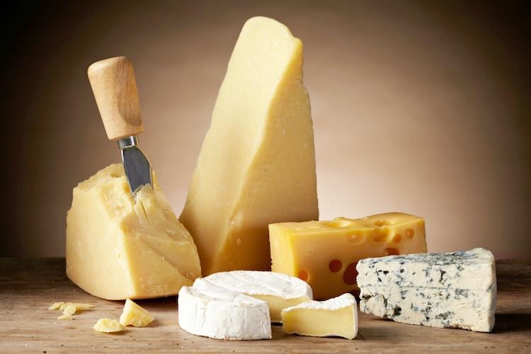 mercato dei latticini e formaggi